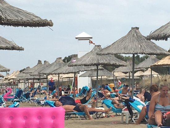 Agapi Beach Hotel: Strand .. sehr schön .. ab Mittag immer eine steife Brise 😍