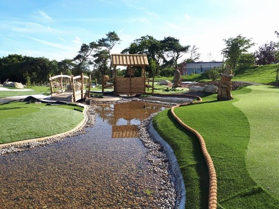 Lymington, UK: Adventure Golf