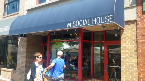 Marietta Food Tours: Outside the WR Social House