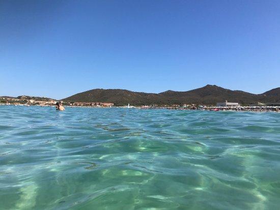 Golfo Aranci, Italie : Vista della spiaggia di Marinella dal mare