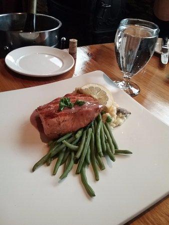 King Salmon: Grilled Salmon