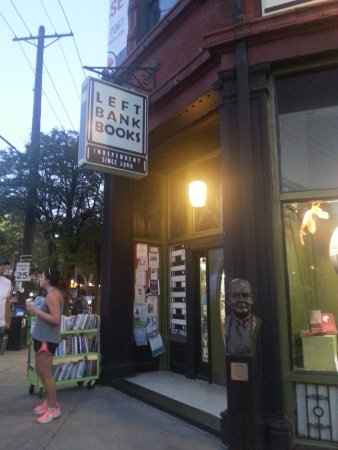 Saint Louis, MO: left bank books on the corner