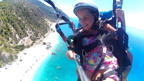 Vasiliki Blue: paragliding at Katisma Beach