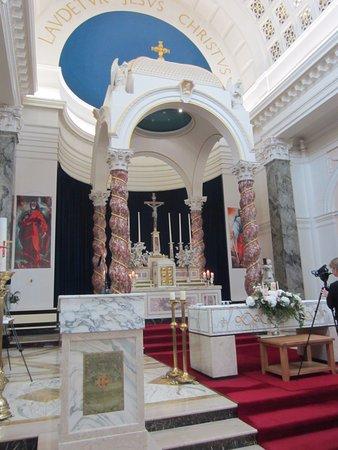 Athlone, Irland: The church