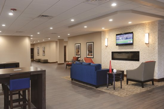 Comfort Inn & Suites Event Center: Gathering Area