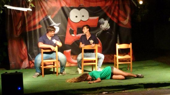Villaggio Alkantara: Serata cabaret