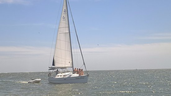 June bachelorette sail from Folly Beach to Kiawah Island