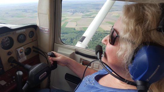 Petronell-Carnuntum, Austria: selbt fliegen ist ein erhebendes Gefühl