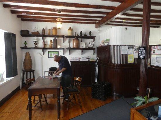 Hamilton, Bermuda: More Historic Decor
