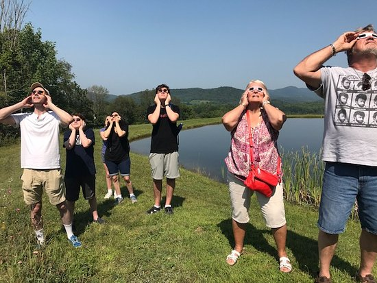 Manchester, VT: Viewing the solar eclipse on 8/21/17