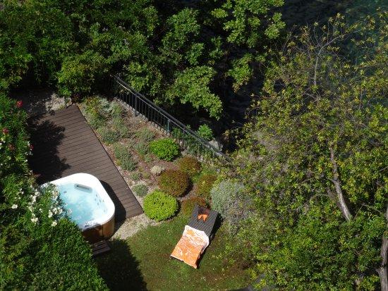 Garten der Villa mit Whirlpool - Picture of Remisens Premium Villa ...