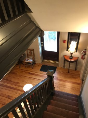 Gordonville, PA: After Eight Bed & Breakfast