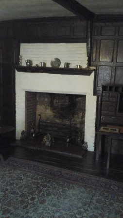 Worcester, UK: Another fireplace