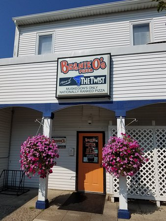 Bernie O's Pizza: 20170819_162722_large.jpg