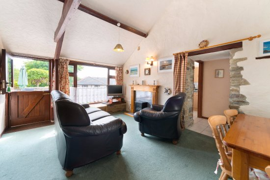 Poughill, UK: Linhay -  sleeps 4 + cot in 2 bedrooms  & welcomes dogs