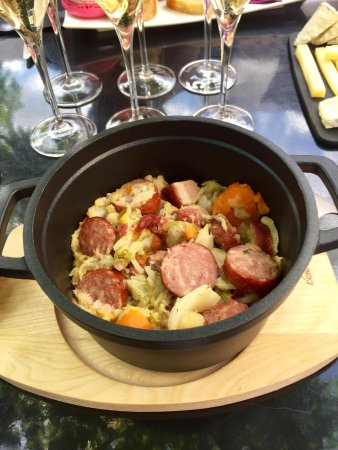 Hautvillers, Francia: Sausage, ham--mouth watering!
