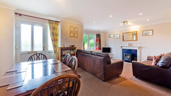 Poughill, UK: Briar Patch - sleeps 6 + cot in 3 bedrooms & welcomes dogs