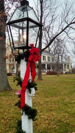 Princeton, KY: Christmas time at our Kentucky home.