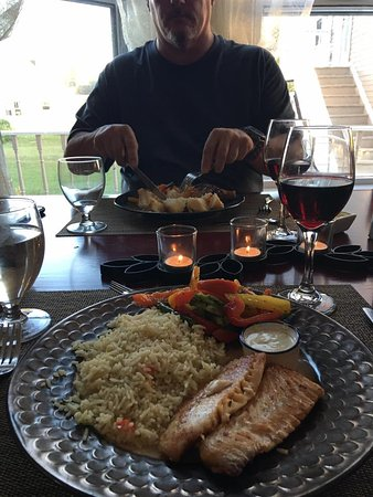 Tidal Watch Inn: Delicious meals and wines!