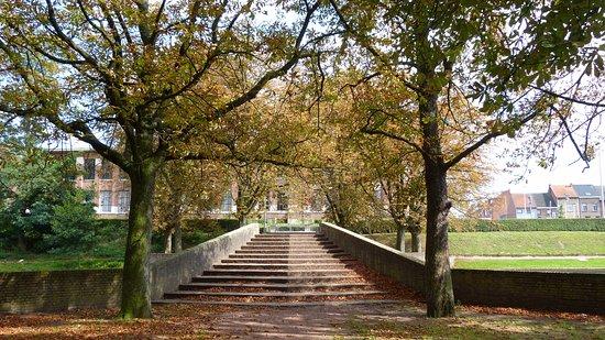 Gemeentelijk Park Boom: BRUG OVER FRANSE VIJVERS
