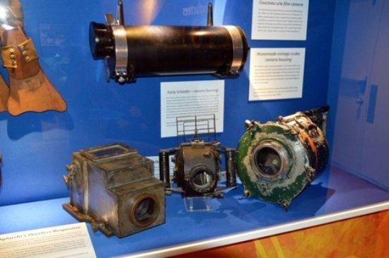 Cayman Islands National Museum: Scuba diving historical artifacts