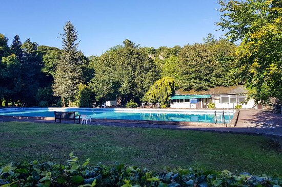 Pool garden annex balcony view new bath - Matlock hotels with swimming pools ...