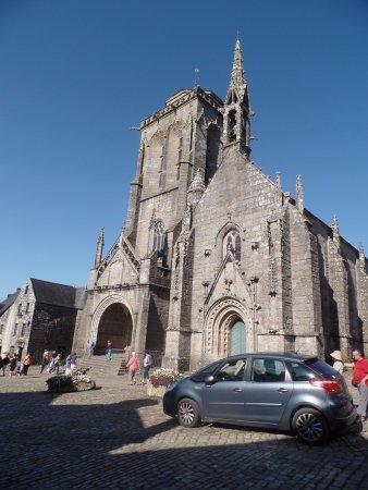 Locronan, Frankrike: église saint ronan
