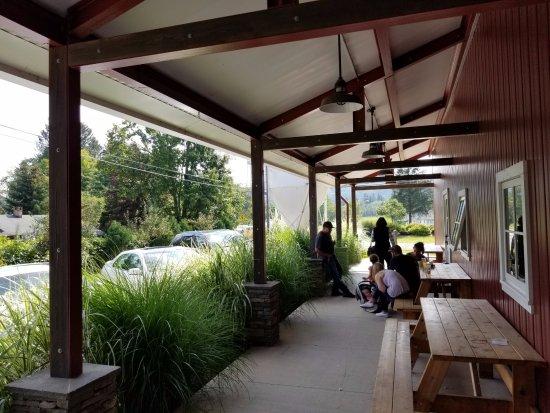 Livingston Manor, NY: exterior porch seating