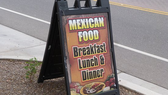 Tolleson, Αριζόνα: Definitely features Mexican food.