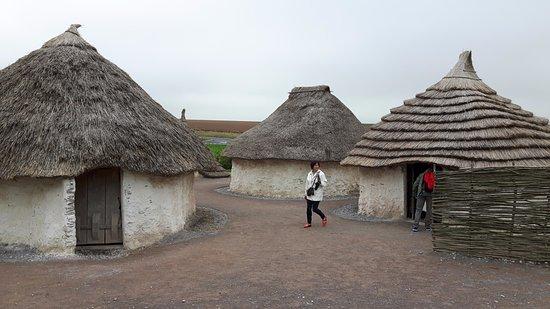 Amesbury, UK: Les habitations telles qu'elles devaient être il y a 5000 ans.