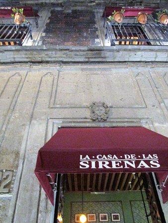 Exterior, upstairs of La Casa de las Sirenas
