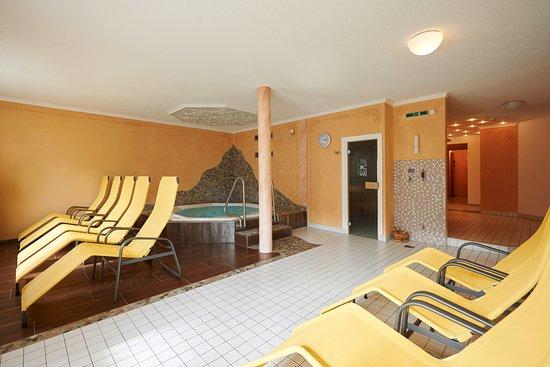 Hotel-Restaurant Alpenblume: Wellnessbereich mit Whirlpool