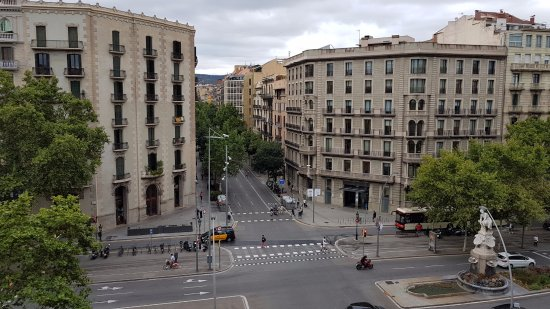 Fisa Rentals Gran Via Apartments: View from 5th floor