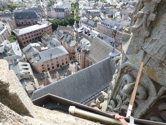 Cathedrale Notre Dame de Rodez: vue du clocher