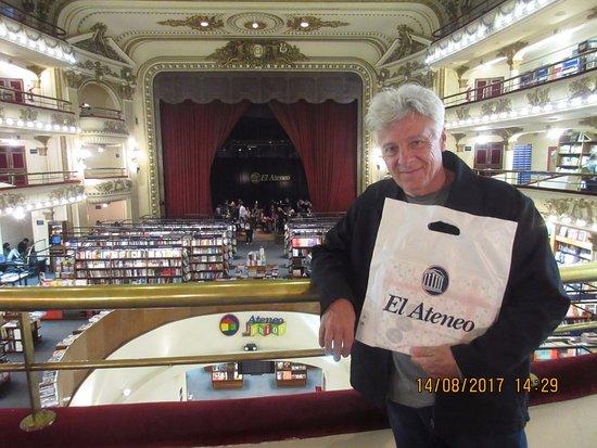 El Ateneo Grand Splendid: Comprei livros para os sobrinhos-netos...