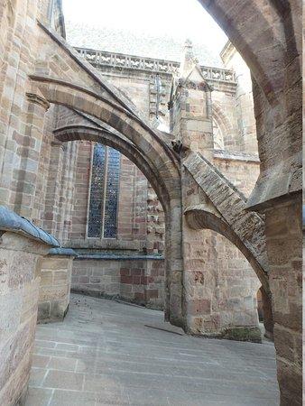 Cathedrale Notre Dame de Rodez: Le toit