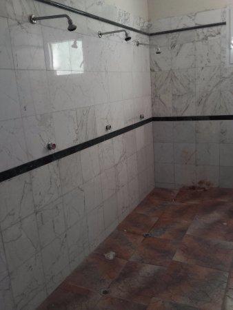 Merine Apulia, إيطاليا: Sempre nelle docce della piscina