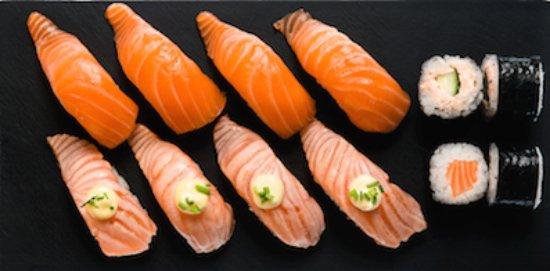 KOKORO Sushi (Vallila): Salmon Lovers 12 pcs/ 14.49 €