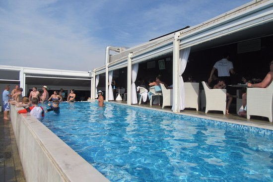 Palazzo Naiadi, The Dedica Anthology: Rooftop Swimming Pool