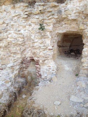 Cave at Niha Fortress