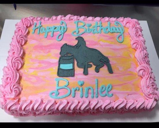 Hallettsville, TX: Custom Cake