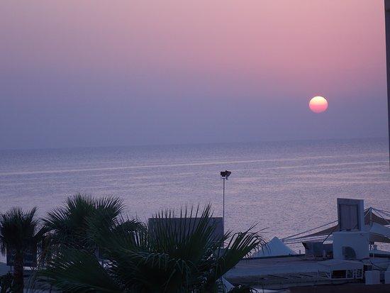 Louis Infinity Blu: Sunrise from room 209