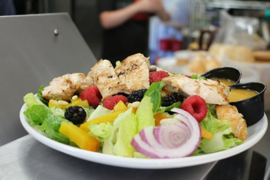 Knife River, Миннесота: Emily's Eatery - Salad