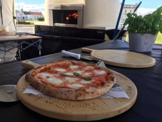 Napoli Woodfired Pizza: Marg