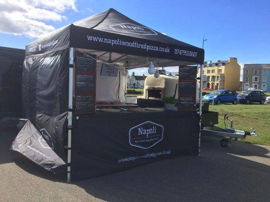 Napoli Woodfired Pizza: Set up
