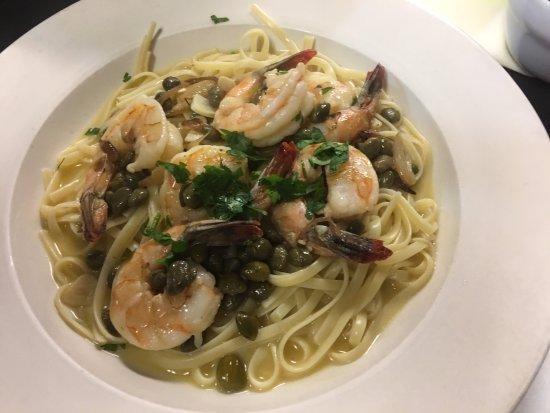 Rossitto's Ristorante: Linguini and shrimp