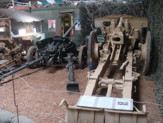 Armourgeddon Military Vehicle Museum: Howitzer