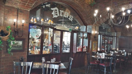 Dros Restaurant and Wine Cellar: ...inside view