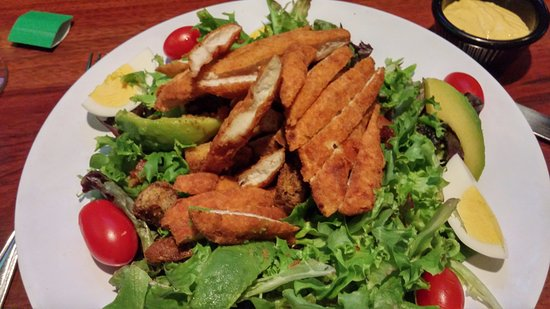 Colchester, VT: Cobb salad with crispy chicken