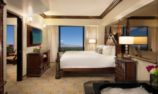 Peppermill Resort Spa Casino: Peppermill Tower Luxury Suite